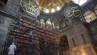 Ayasofya'da İskeleler Sökülüyor